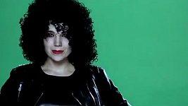 Lucie Vondráčková v novém klipu Ty jsi ten nej