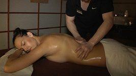 Kateřina Sokolová - masáž po návratu z Thaiska
