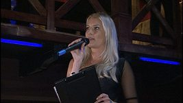 Jitka Nováčková moderuje