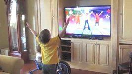 Britney Spears natočila svého syna při tanci.
