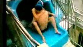 Milenci se oddávali sexu na tobogánu v aquaparku