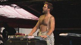 Ondřej Brousek má větší prsa než jeho exmanželka