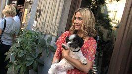 Eva Decastelo má potíže s kojením