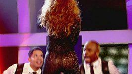 Jennifer Lopez při vystoupení na soutěži So You Think You Can Dance