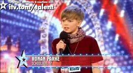 Dvanáctiletý školák sklidil na castingu Britain´s Got Talent potlesk ve stoje od diváků i od poroty