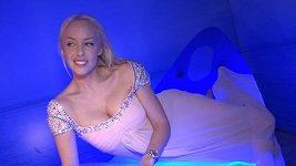 Kateřina Mátlová - focení v posteli