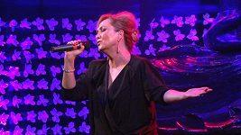 Bára Basiková během exkluzivního komorního koncertu.