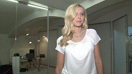Zorka Hejdová na zkoušce modelů návrhářky Beaty Rajské.