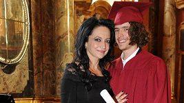 Syn Lucie Bílé má aktuálně vyšší vzdělání než ona sama.