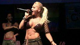 Dara Rolina na koncertě po Prague Pride