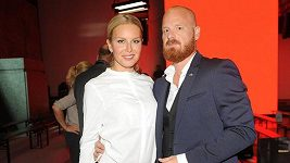 Simona Krainová s manželem na prodlouženém víkendu módy