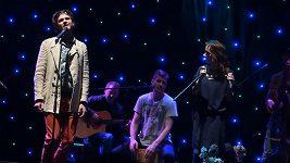 Dyk a Vilhelmová zpívají píseň Májová