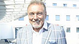 Karel Gott - zdraví a nové auto