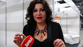 Ilona Csáková překvapuje svou štíhlou postavou.
