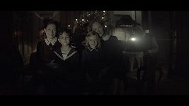 Trailer k filmu Zahradnictví: Rodinný přítel