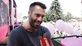 Václav Noid Bárta se zúčastnil růžového pochodu a bojoval za zdravá prsa.