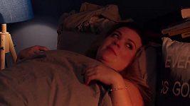 Polišenská s Dolanským v posteli