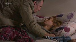 Šárka Vaculíková se jako Adriana v Ulici pokusí o sebevraždu.