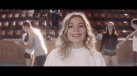 Nela Kailová natočila nový klip.