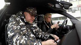 Štiky - hádka v autě
