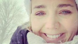 Lucie Vondráčková posílá zimní pozdrav z Kanady.
