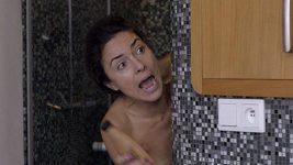 Lucia Siposová ve sprše