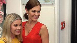 (Růžové šaty foto?) Leona Machálková