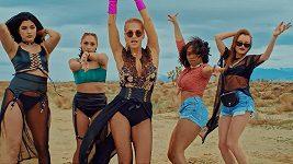 Dara Rolins představila nový klip k písni Poď sa rozbiť.