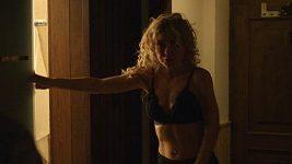 Kateřina Kaira Hrachovcová v prádle