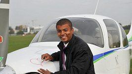 Rey Koranteng je nadšený amatérský pilot.