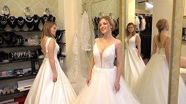 Ochmanová a Ďuricová vybírají svatební šaty