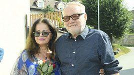 Jiří Krampol uspořádal vzpomínkové setkání na zesnulou manželku Hanku.