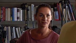 Sandra Nováková na natáčení filmu Matky.