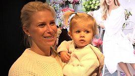 Andrea Sestini Hlaváčková se cestování s malou dcerkou nebojí.