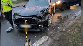 Nehoda mustangu