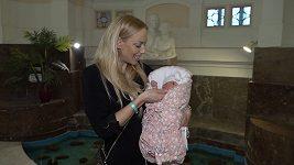 Kate Matl pustili z porodnice
