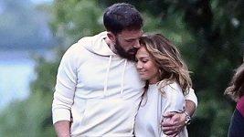 Jennifer Lopez a Ben Affleck na zamilované procházce