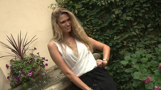Blondýnka vyhodit práce videa