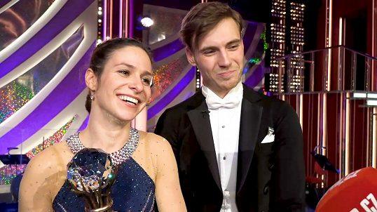 Vítězkou StarDance je Veronika Khek Kubařová