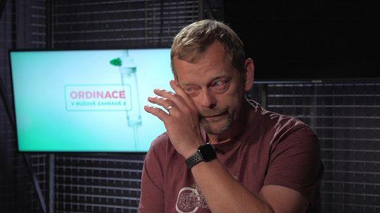 Doktor Kovář z Ordinace se rozplakal, když mu štáb pustil tuhle ukázku: Připomněla mu smrt blízkéhočlověka